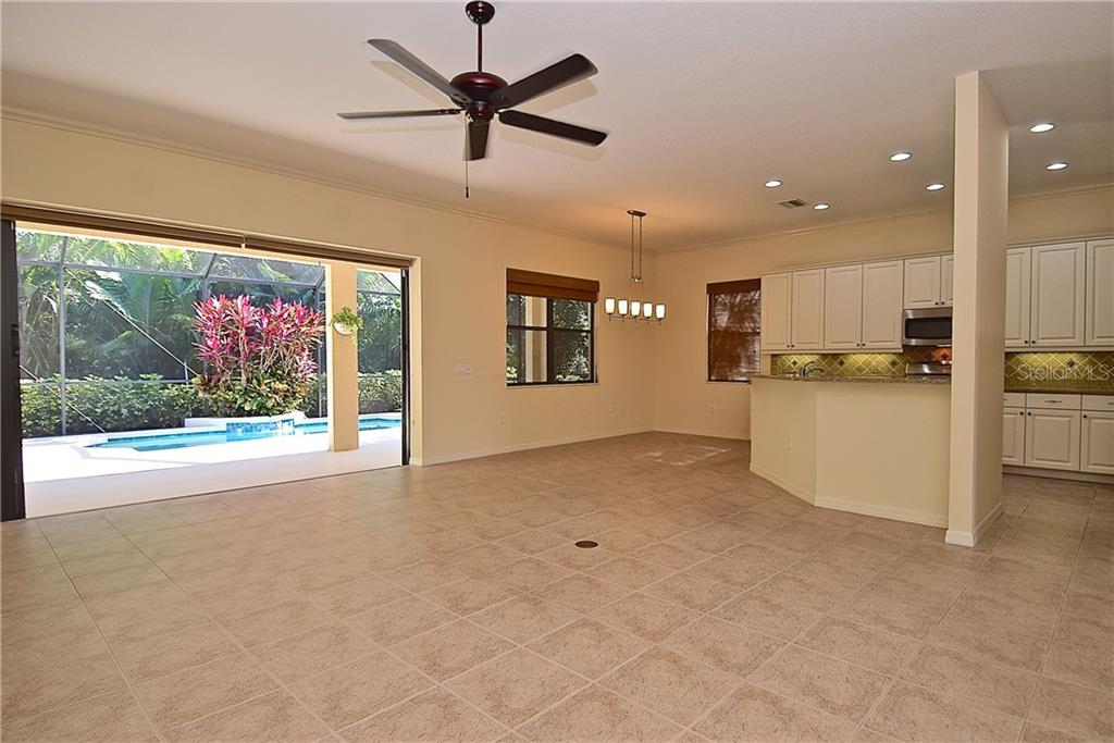 Single Family Home for sale at 13896 Siena Loop, Lakewood Ranch, FL 34202 - MLS Number is A4444006