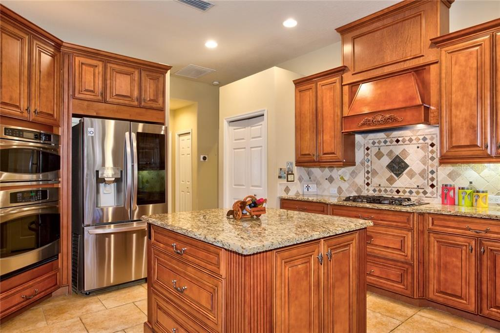 Single Family Home for sale at 4920 Luster Leaf Ln, Sarasota, FL 34241 - MLS Number is A4444896