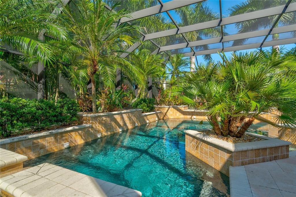 Single Family Home for sale at 7212 Pasadena Gln, Lakewood Ranch, FL 34202 - MLS Number is A4446350