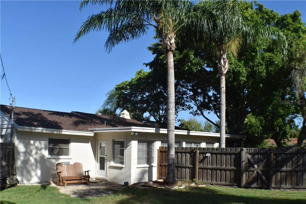 Single Family Home for sale at 3005 Chase Cir, Sarasota, FL 34231 - MLS Number is A4446975
