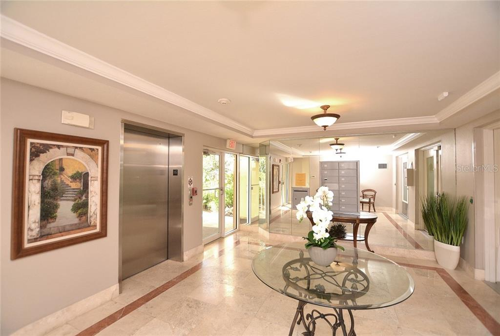 Floor Plan - Condo for sale at 5304 Manorwood Dr #2b, Sarasota, FL 34235 - MLS Number is A4448585