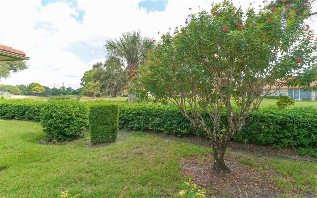Villa for sale at 3338 W Chelmsford Ct, Sarasota, FL 34235 - MLS Number is A4448872