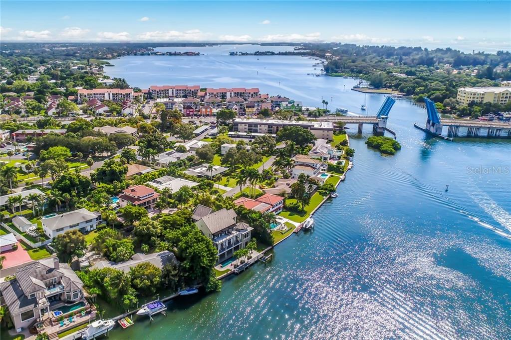 Located just one minute away, the Siesta Key bridge is so convenient for those impromptu walks along the sugar sand beaches of Siesta Key. - Single Family Home for sale at 6438 Hollywood Blvd, Sarasota, FL 34231 - MLS Number is A4449895