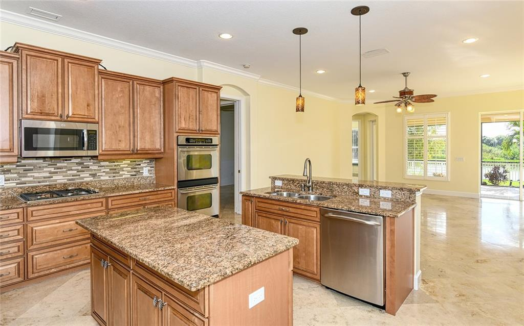 Single Family Home for sale at 15102 Sundial Pl, Lakewood Ranch, FL 34202 - MLS Number is A4450048