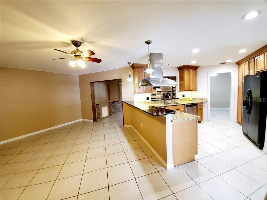 Single Family Home for sale at 4117 Honolulu Dr, Sarasota, FL 34241 - MLS Number is A4450214