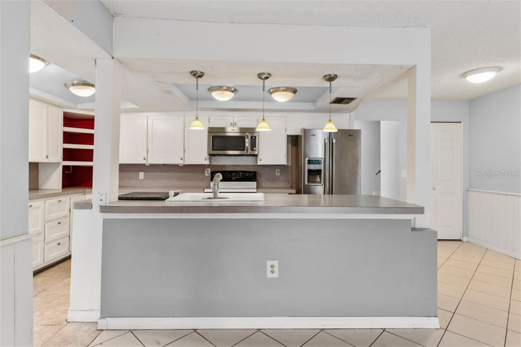 Single Family Home for sale at 6524 Waterford Cir, Sarasota, FL 34238 - MLS Number is A4450568