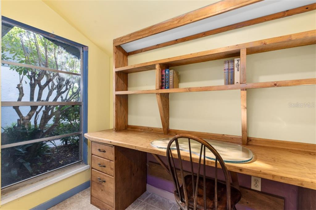 Bedroom 2 desk - Single Family Home for sale at 6524 Waterford Cir, Sarasota, FL 34238 - MLS Number is A4450568