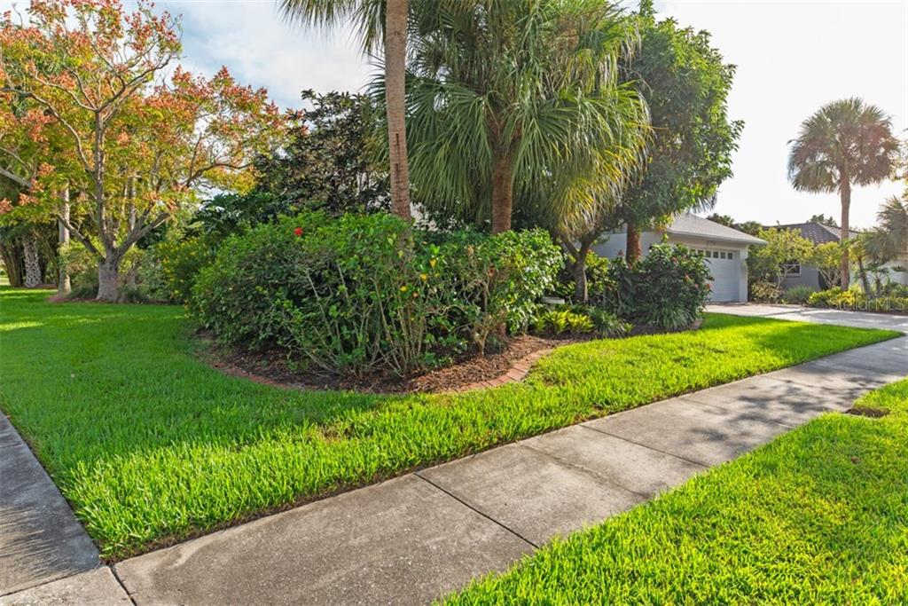 Large Corner lot .31 Acre - Single Family Home for sale at 6524 Waterford Cir, Sarasota, FL 34238 - MLS Number is A4450568