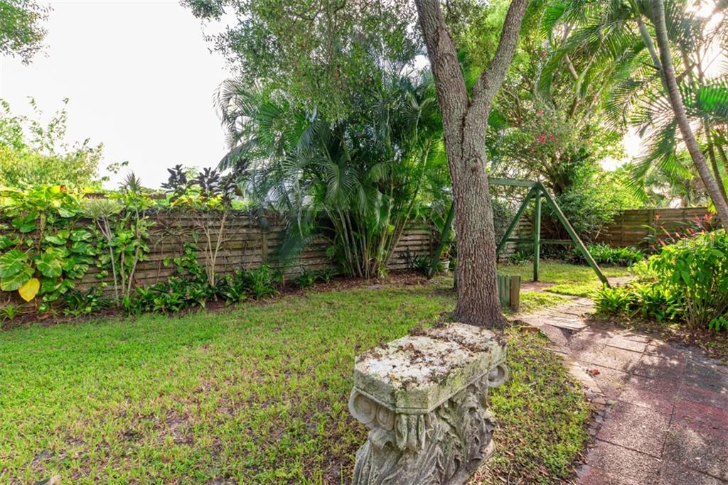 Backyard - Single Family Home for sale at 6524 Waterford Cir, Sarasota, FL 34238 - MLS Number is A4450568