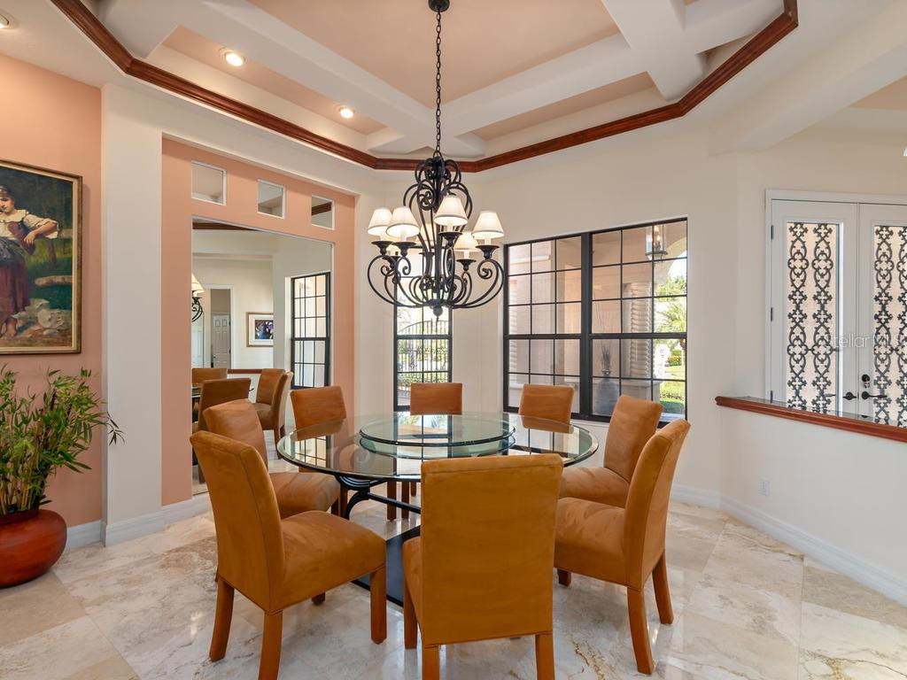 Dining Room - Single Family Home for sale at 6826 Turnberry Isle Ct, Lakewood Ranch, FL 34202 - MLS Number is A4450601