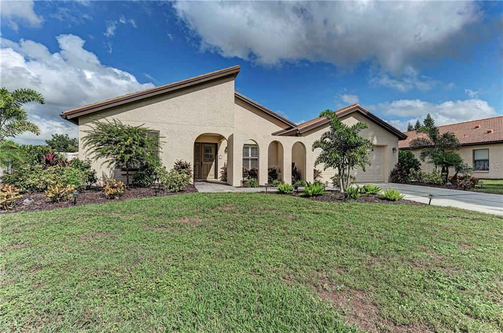 New roof in 2014 and new landscaping in 2019 - Single Family Home for sale at 2980 Heather Bow, Sarasota, FL 34235 - MLS Number is A4450964