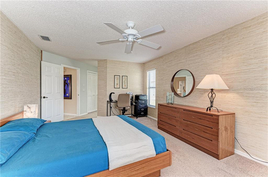 Large Master Bedroom - Single Family Home for sale at 2980 Heather Bow, Sarasota, FL 34235 - MLS Number is A4450964