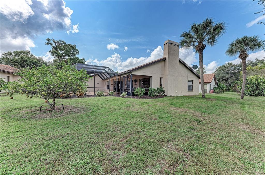 Very private location within The Meadows - Single Family Home for sale at 2980 Heather Bow, Sarasota, FL 34235 - MLS Number is A4450964