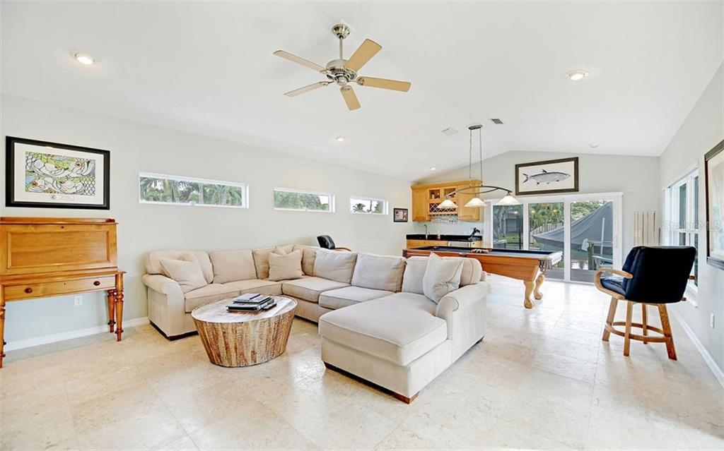 Single Family Home for sale at 1736 Stanford Ln, Sarasota, FL 34231 - MLS Number is A4451247