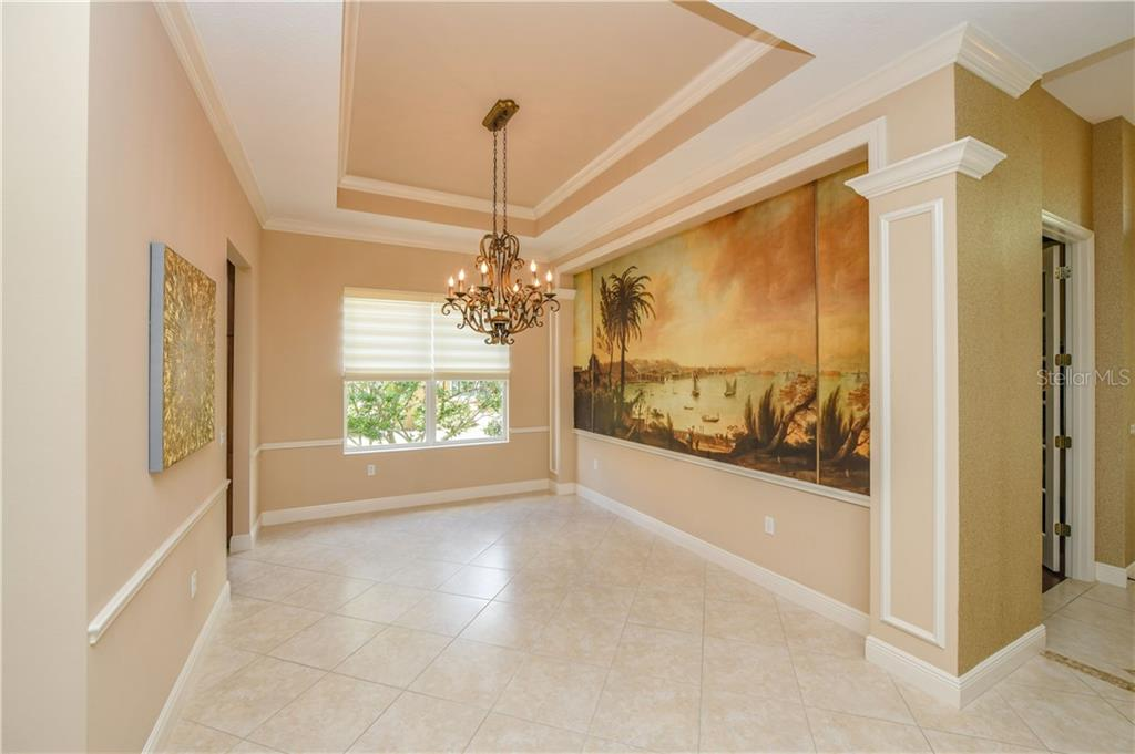 Single Family Home for sale at 12418 Thornhill Ct, Lakewood Ranch, FL 34202 - MLS Number is A4451489