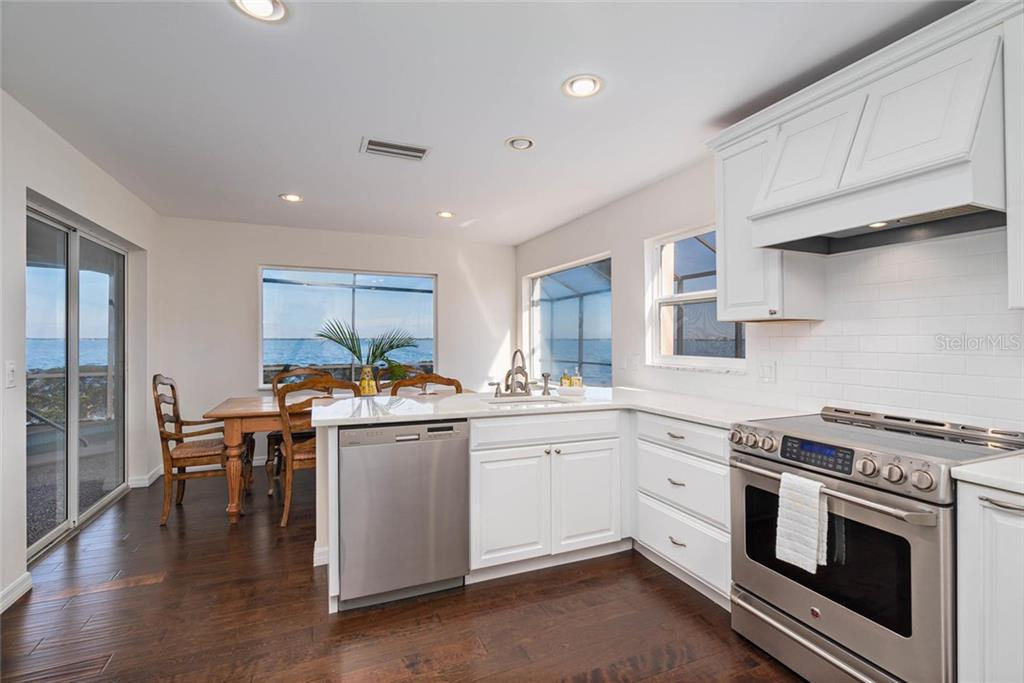 Single Family Home for sale at 590 Chipping Ln, Longboat Key, FL 34228 - MLS Number is A4452503
