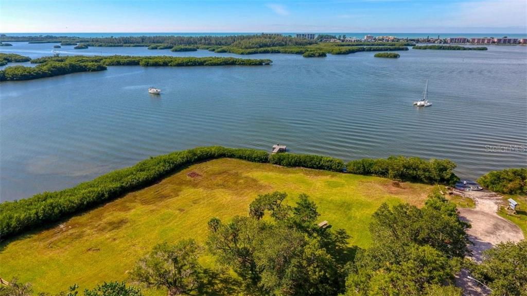 County Kayak launch behind property with private gate access. - Single Family Home for sale at 8945 Fishermens Bay Dr, Sarasota, FL 34231 - MLS Number is A4452640