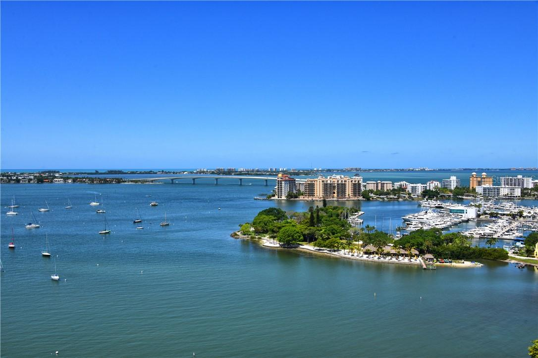 Start each day with the serenity of soaring birds and sparkling bay views. - Condo for sale at 605 S Gulfstream Ave #15, Sarasota, FL 34236 - MLS Number is A4453705