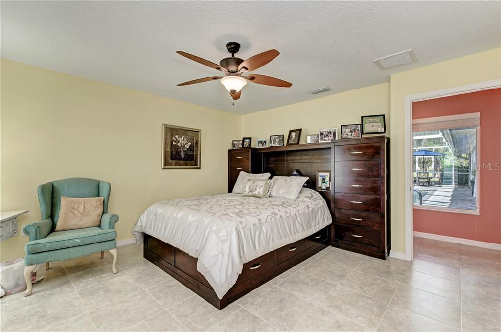 Single Family Home for sale at 7828 Broadmoor Pines Blvd, Sarasota, FL 34243 - MLS Number is A4455614
