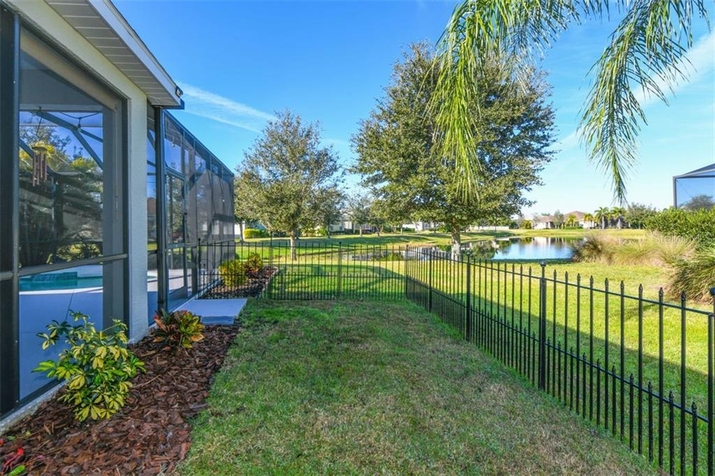 Single Family Home for sale at 11629 Piedmont Park Xing, Bradenton, FL 34211 - MLS Number is A4455869