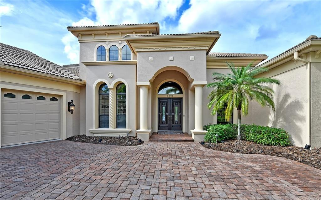Single Family Home for sale at 6808 Belmont Ct, Lakewood Ranch, FL 34202 - MLS Number is A4456832