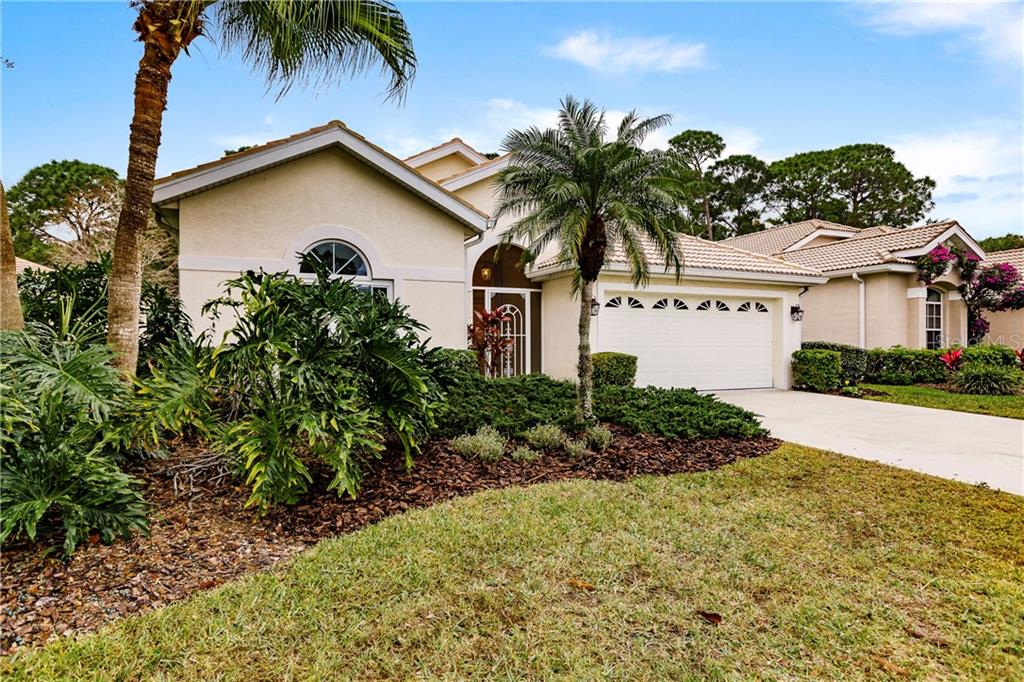 Single Family Home for sale at 2109 Wasatch Dr, Sarasota, FL 34235 - MLS Number is A4457225