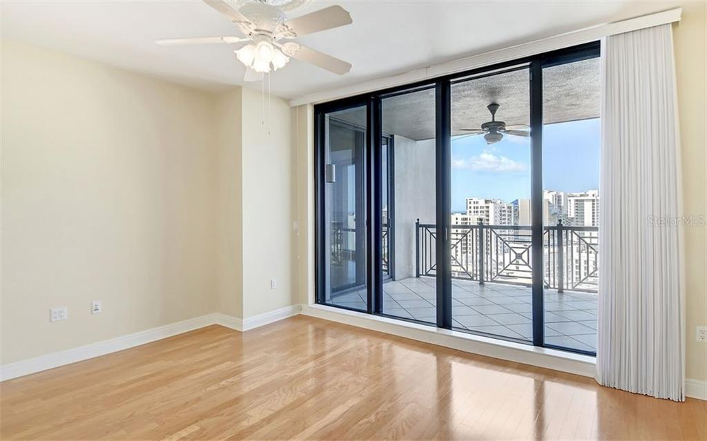 Condo for sale at 50 Central Ave #14e, Sarasota, FL 34236 - MLS Number is A4457436