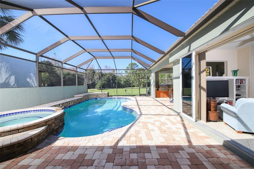 Pool, Spa - Single Family Home for sale at 6229 Yellow Wood Pl, Sarasota, FL 34241 - MLS Number is A4457471