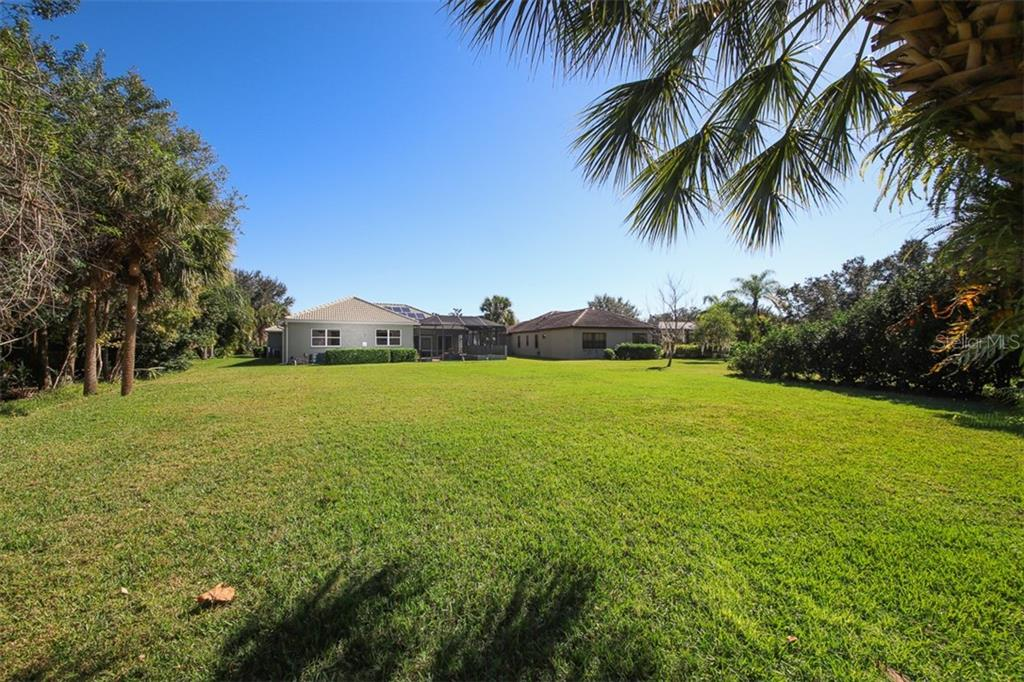 Large Lot, over 1/2 acre total - Single Family Home for sale at 6229 Yellow Wood Pl, Sarasota, FL 34241 - MLS Number is A4457471