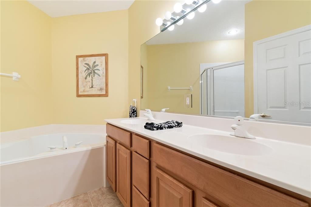 Condo for sale at 4465 Cinnamon Dr #2503, Sarasota, FL 34238 - MLS Number is A4458474