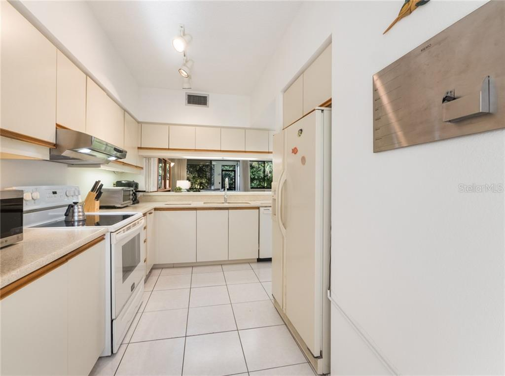 Condo for sale at 1922 Harbourside Dr #1103, Longboat Key, FL 34228 - MLS Number is A4458493