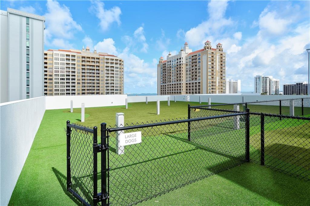 DOG PARK ON ROOF OF PARKING GARAGE - Condo for sale at 1155 N Gulfstream Ave #507, Sarasota, FL 34236 - MLS Number is A4458926