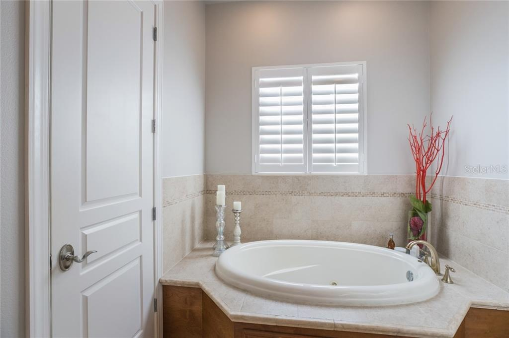 Master Bath Jacuzzi - Single Family Home for sale at 443 S Polk Dr, Sarasota, FL 34236 - MLS Number is A4459240