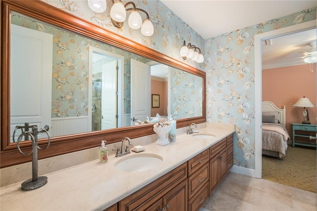 Dual Sink Guest Bath - Single Family Home for sale at 443 S Polk Dr, Sarasota, FL 34236 - MLS Number is A4459240