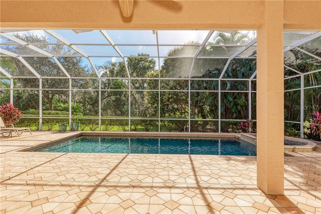 Single Family Home for sale at 7210 Chatsworth Ct, University Park, FL 34201 - MLS Number is A4459385