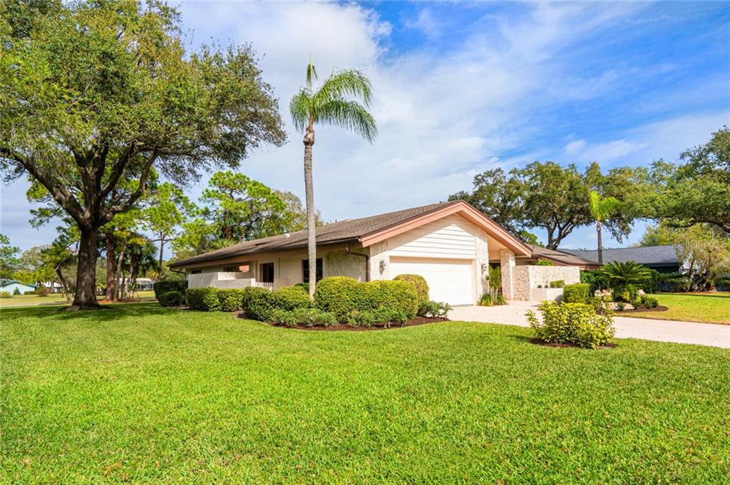 Single Family Home for sale at 5037 Marsh Field Rd, Sarasota, FL 34235 - MLS Number is A4459593
