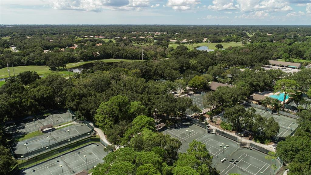 One of the best tennis facilities in Sarasota with 17 Har Tru courts and a robust league program. - Townhouse for sale at 5319 Huntingwood Ct #51, Sarasota, FL 34235 - MLS Number is A4460231