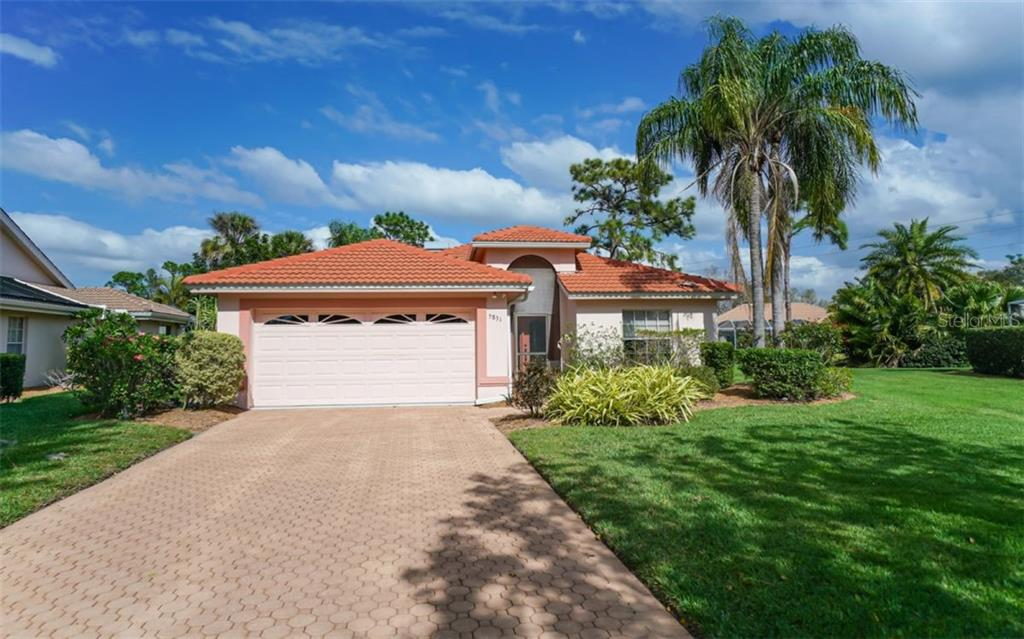 HOA Disclosure - Single Family Home for sale at 5831 Fairwoods Cir, Sarasota, FL 34243 - MLS Number is A4460355
