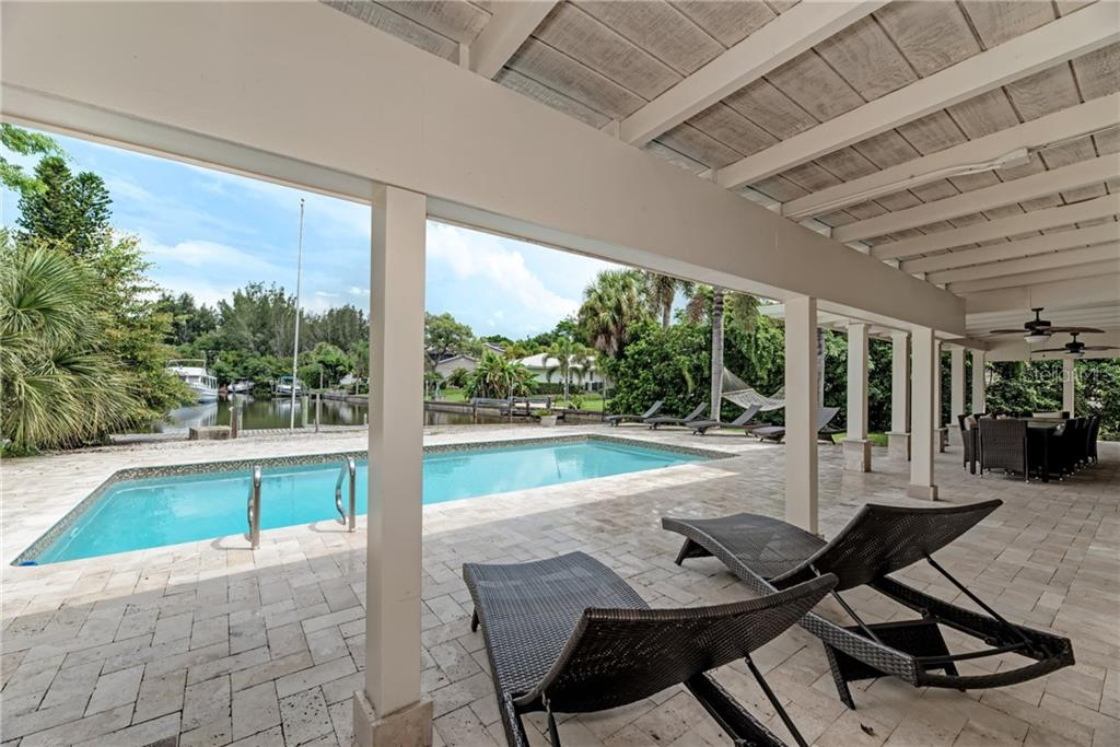 Single Family Home for sale at 1225 Whitehall Pl, Sarasota, FL 34242 - MLS Number is A4460386