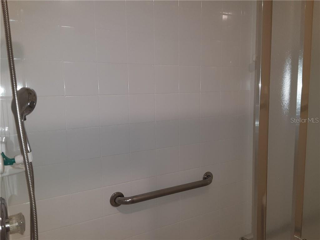 Master Bathroom Shower - Condo for sale at 6866 Fairview Ter #11, Bradenton, FL 34203 - MLS Number is A4460434
