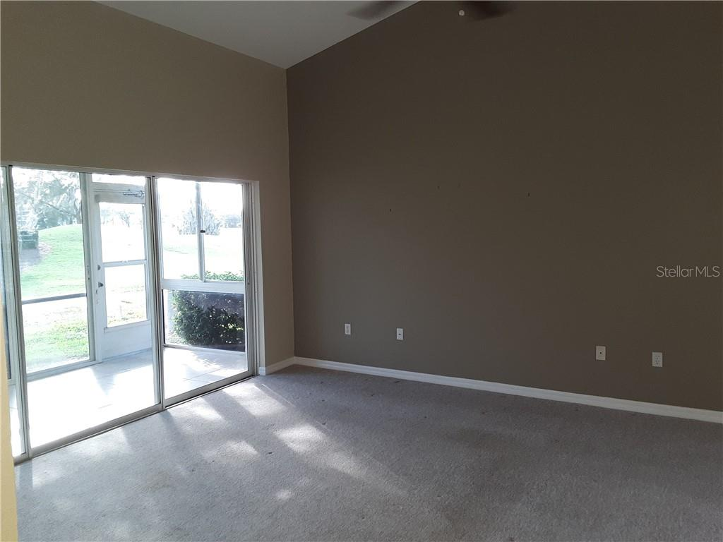 Vaulted Ceiling in Living Room - Condo for sale at 6866 Fairview Ter #11, Bradenton, FL 34203 - MLS Number is A4460434