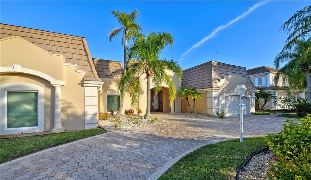 Single Family Home for sale at 635 Mourning Dove Dr, Sarasota, FL 34236 - MLS Number is A4460501