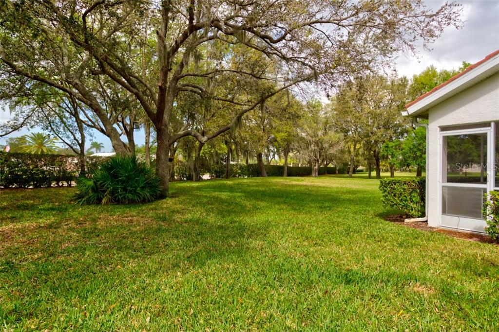 Single Family Home for sale at 7149 Melrose Pl, Bradenton, FL 34203 - MLS Number is A4460581