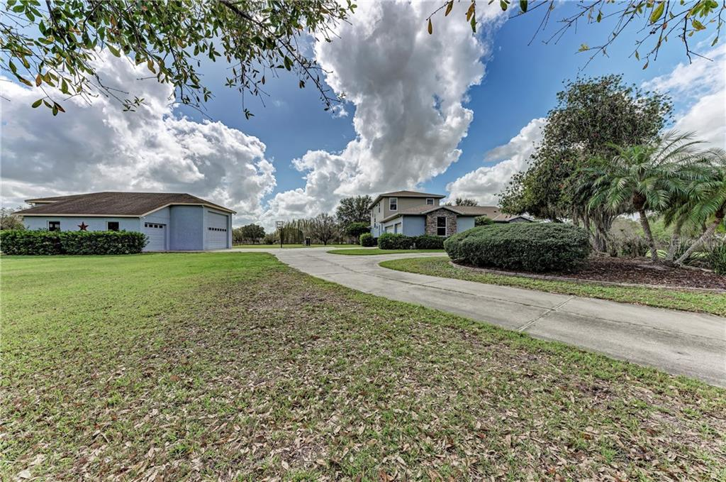 Single Family Home for sale at 2016 Bel Air Star Pkwy, Sarasota, FL 34240 - MLS Number is A4460670