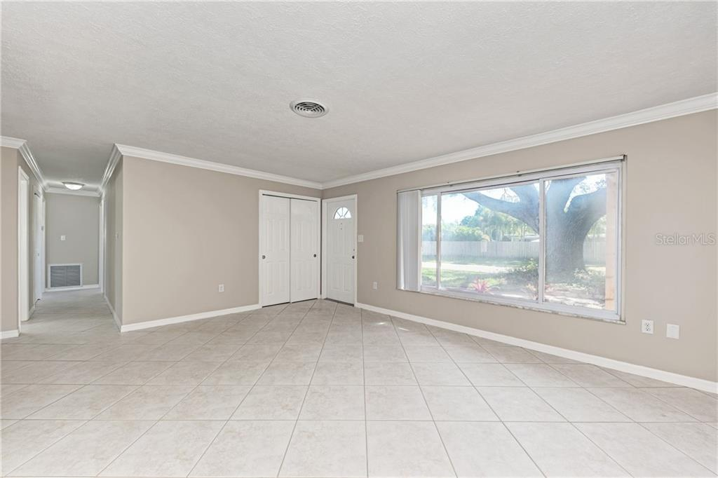Single Family Home for sale at 2515 Waneta Dr, Sarasota, FL 34231 - MLS Number is A4460672