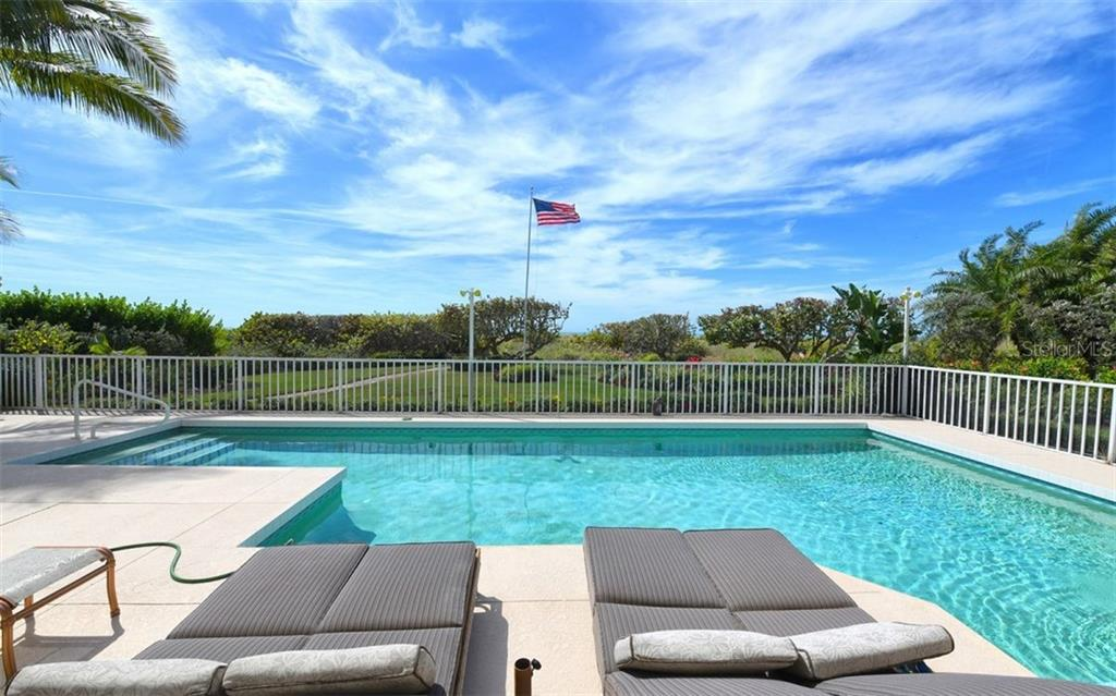 Single Family Home for sale at 6877 Gulf Of Mexico Dr, Longboat Key, FL 34228 - MLS Number is A4460731