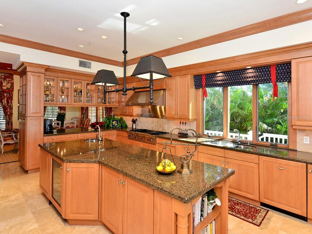 Spacious Chefs Kitchen - Single Family Home for sale at 6301 Gulf Of Mexico Dr, Longboat Key, FL 34228 - MLS Number is A4460816