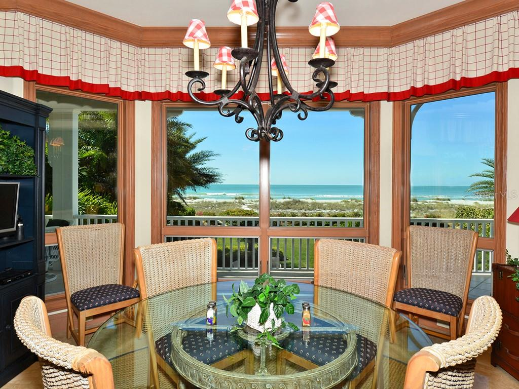 Intimate Dining Area w/Gulf Views - Single Family Home for sale at 6301 Gulf Of Mexico Dr, Longboat Key, FL 34228 - MLS Number is A4460816