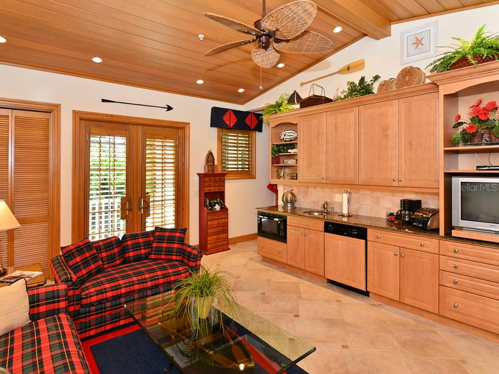 Guest House - Main Living Room/Kitchenette - Single Family Home for sale at 6301 Gulf Of Mexico Dr, Longboat Key, FL 34228 - MLS Number is A4460816