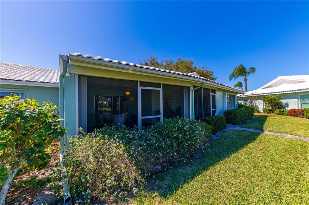 Villa for sale at 6710 9th Ave W, Bradenton, FL 34209 - MLS Number is A4460852